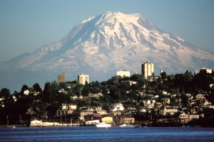 Mount_Rainier_over_Tacoma